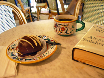 Deeeee-licious chocolate desert from the cafe in Sarasota News and Books
