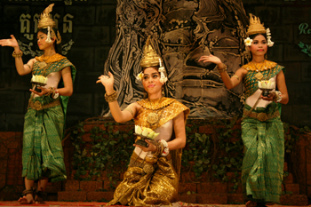 Traditional Cambodian Apsara dancers