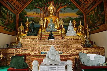 Wat Ou Sai Khan in Chiang Mai Thailand is the home of four lovely jade Buddhas
