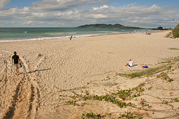 "Byron Bay Beach sands make a ""yipping"" sound when walked on in Australia"