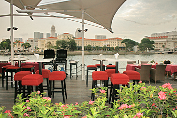 Cafe along the shores of the Singapore River in the city's center