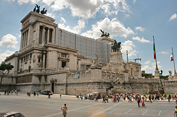 Vittorio Emanuele Monument, with its Tomb of the Unknown Soldier n Rome Italy