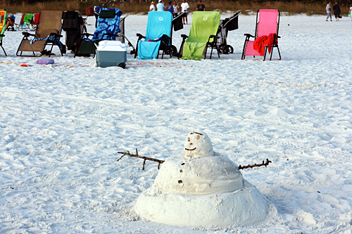 The pure white sand on Siesta Key Beach makes for a realistic snowman