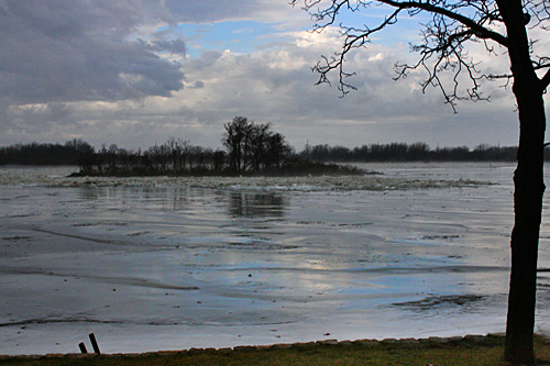 kankakee_river_ice_flow6