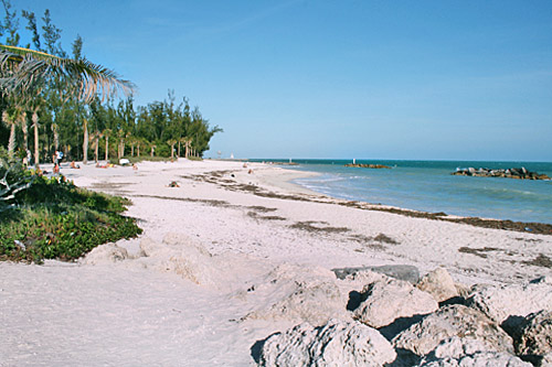 key_west_fort_taylor_beach