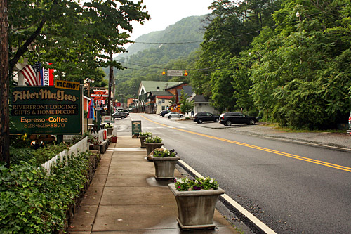chimney_rock_town