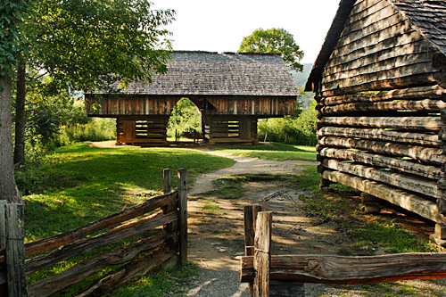 Cades_Cove_Tipton_Place_Cantilevered_Barn