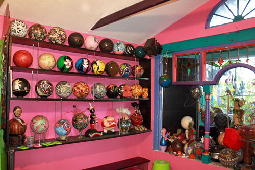 Bowling_Ball_House1