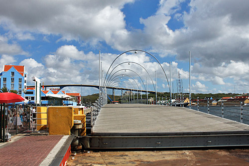 Queen Emma floating pontoon bridge in Willemstad Curacao