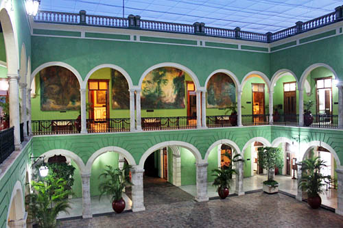 Interior courtyard of the Palacio de Gobierno, which holds an adtounding collection of paintings and murals depicting the history and culture of Merida
