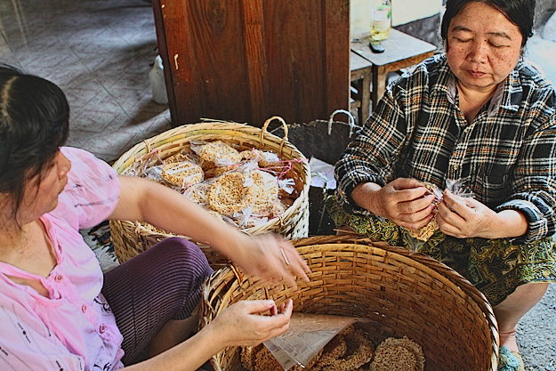 Making rice cakes in Luang Prabang Laos