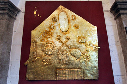Golden panel at Qorikancha exhibits forces that the Incas worshiped: sun, moon, stars, rainbow, thunderbolt, jaguar, and water