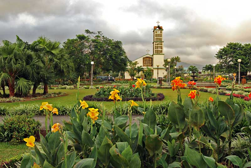 Costa-Rica-La-Fortuna-Park-and-Church