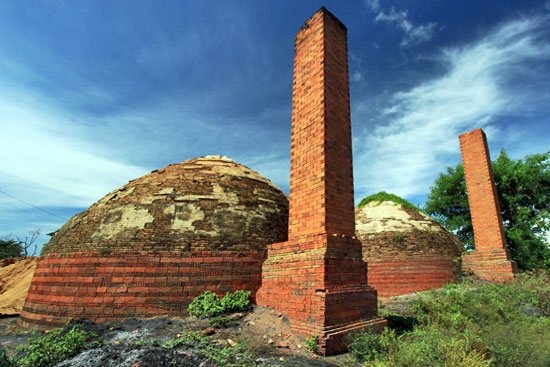 Brick kiln in tiny village at end of the Bamboo Train ride