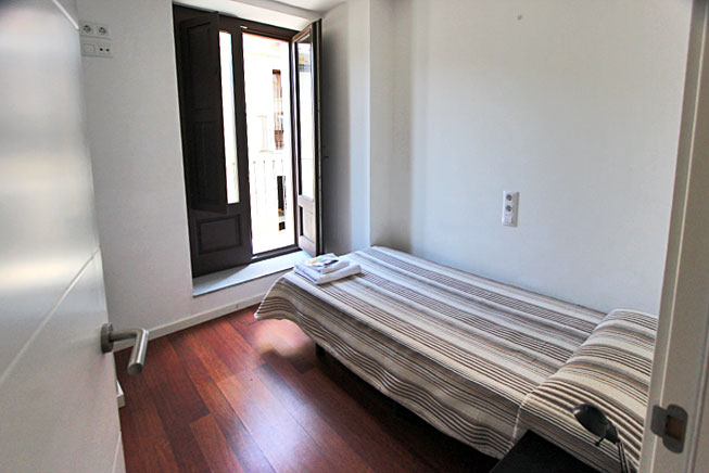 One of the three bedrooms in our Wimdu apartment in Girona, Spain