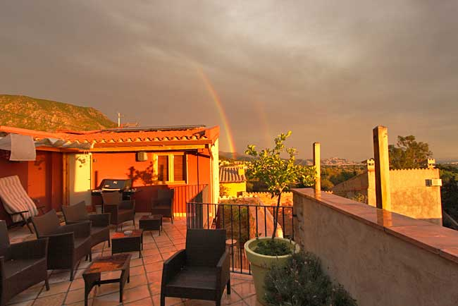 Spain-Palau-Saverdera-Niu-de-Sol-Rainbow