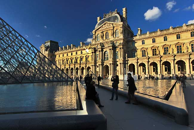 France-Paris-Louvre-Museum-Day