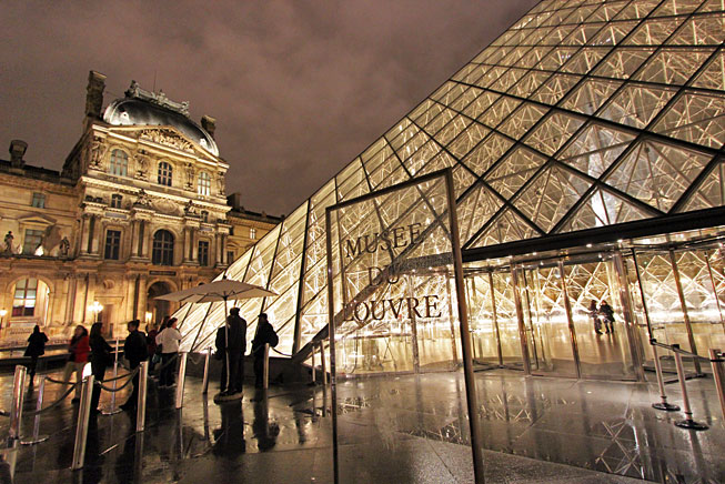 France-Paris-Louvre-Museum-Night