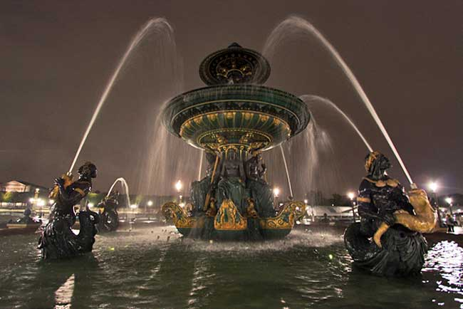 France-Paris-Plaza-de-la-Concorde-Fountain