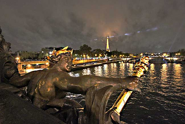 One Traveler's Route for a Walking Tour of Paris by Night