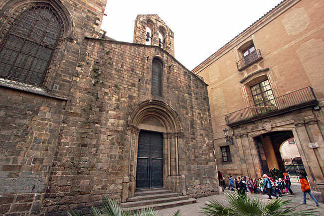 Chapel of Santa Llúcia, built in the Romanesque style, is the only remaining portion of the original Barcelona Carhedral