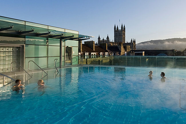 The open-air rooftop pool, photo courtesy of Thermae Bath Spa