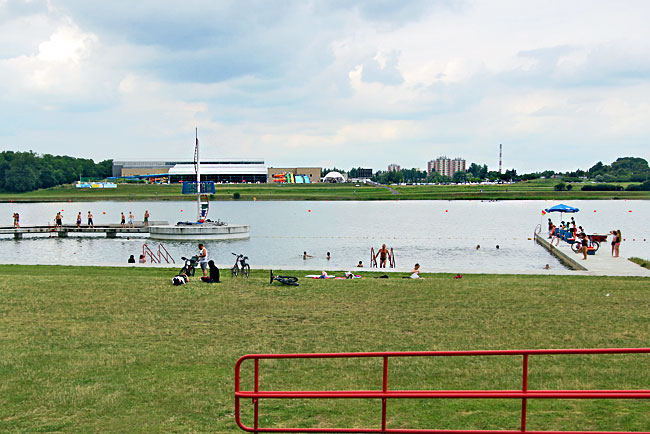Malta Lake, located inside the city limits of Poznan, offers beaches, ice rink, roller coaster, artificial ski slope a world-class regatta course for rowing and canoeing, and is home to the the largest indoor water park in Poland