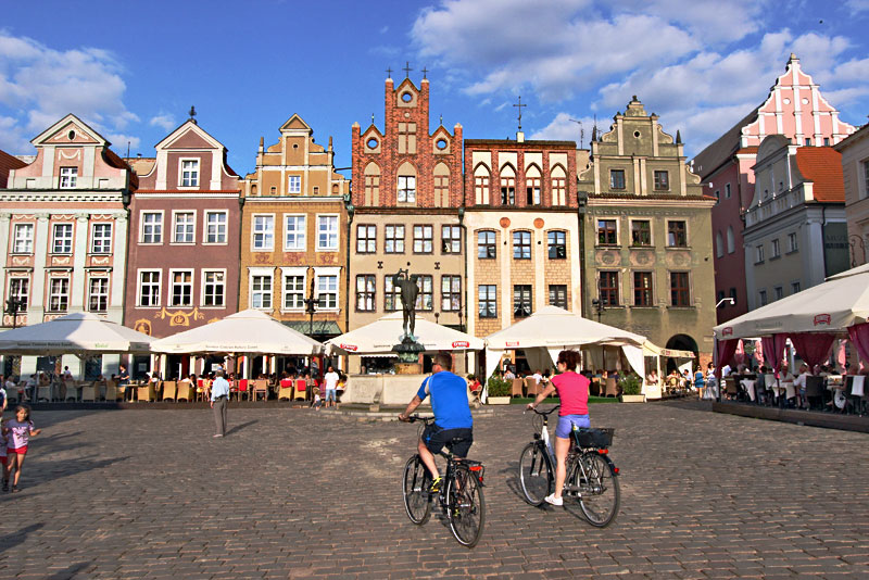 Poland-Poznan-Old-Market-Square5
