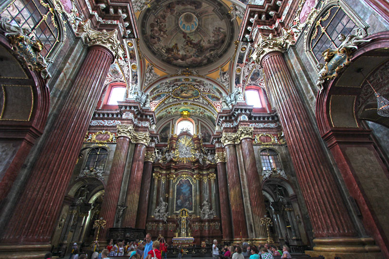 Poland-Poznan-Parish-Church-of-St-Stanislaus-Interior
