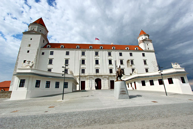 Newly restored Bratislava Castle looks as it did at the end of the 18th century