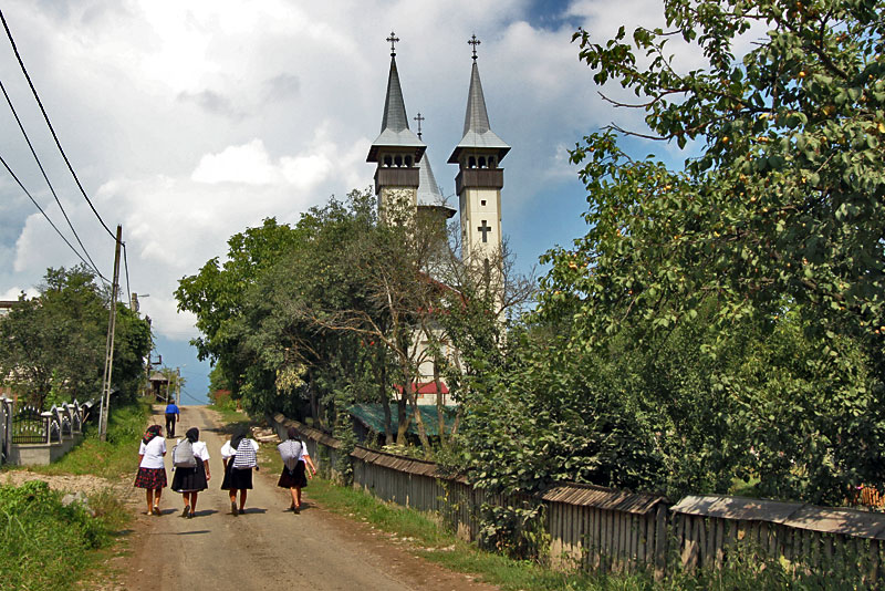 Romania-Breb-Maramures-People-on-Road-to-Church