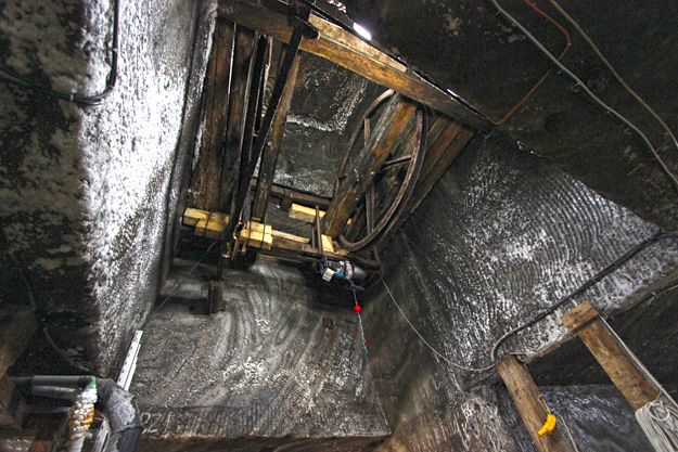 The pulley tower shaft through which the salt from the Rudolf Mine was transported vertically