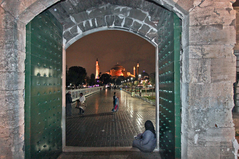 Turkey-Istanbul-Hagia-Sophia-Night-through-door-of-Blue-Mosque