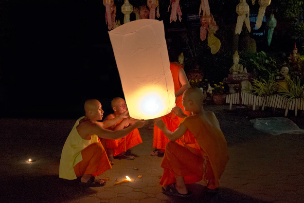 Monks at Wat Muentoom in Chiang Mai get into the spirit of Yi Peng by launching a lantern of their own