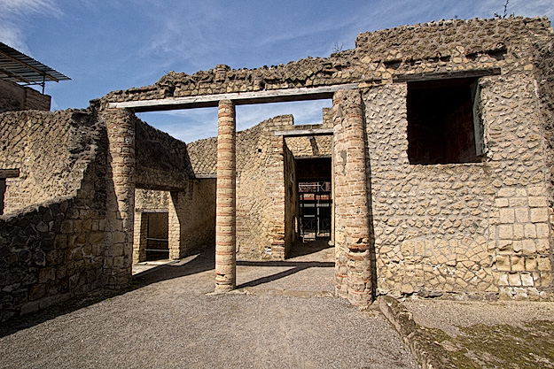 House of the Alcove in Herculaneum ruins