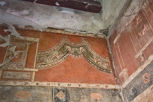 Serpent Fresco in House of the Wooden Partition