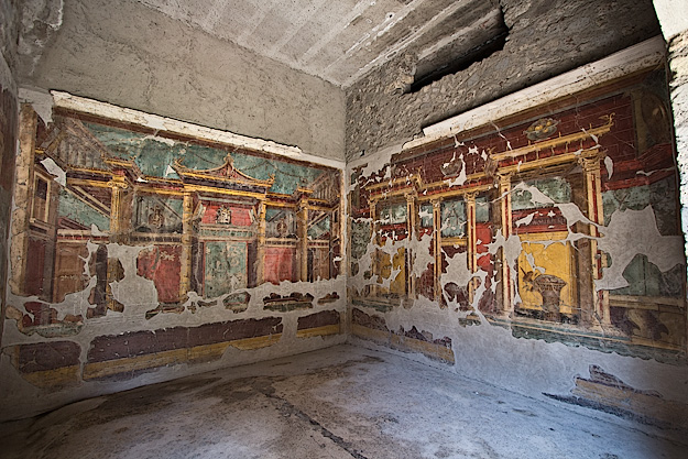 Frescoes on the walls of a Salon at Villa di Poppaea