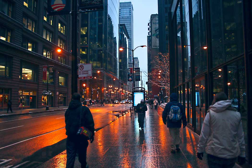 Photo Rainy Night In The Chicago Loop