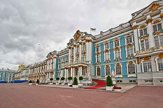 Catherine Palace, a stunning Baroque edifice formerly ocupied by the monarchy