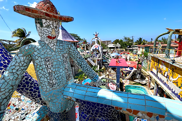 Giant campesino surveys the compound at Proyecto Fuster
