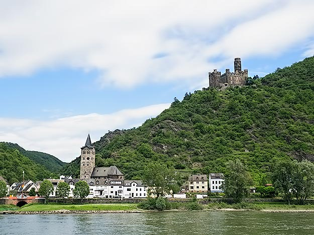 Maus Castle in Deuernburg, Germany in the Middle Rhine River Valley