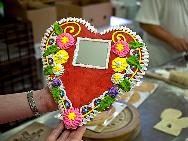 "Heart shaped Hungarian Honey Cake has a mirror in the middle so the receiver can ""see the face of the person whom the giver loves"""