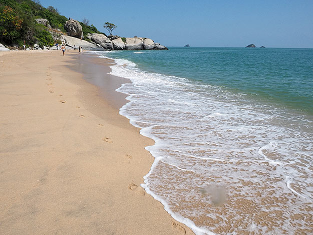 Sai Noi Beach, one of several beautiful beaches tucked into coves south of Hua Hin