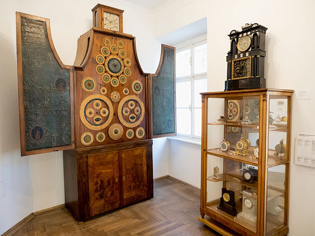 More rare timepieces on display at Vienna's Clock Museum