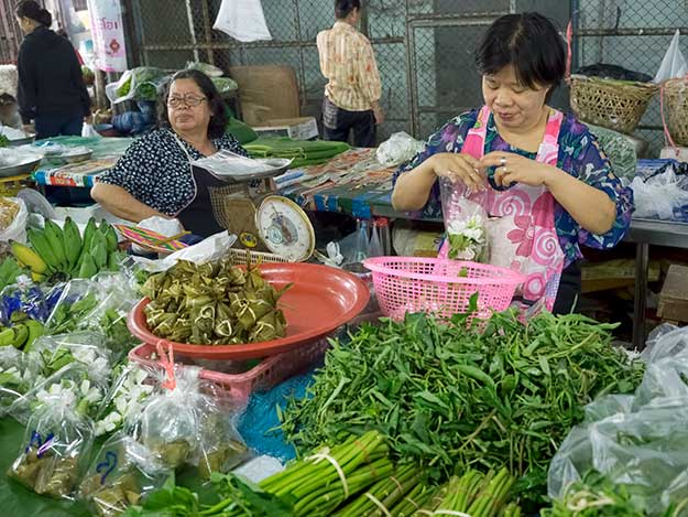Fruits and vegetables are delivered direct from the surrounding farms to Chiang Mai Gate morning market