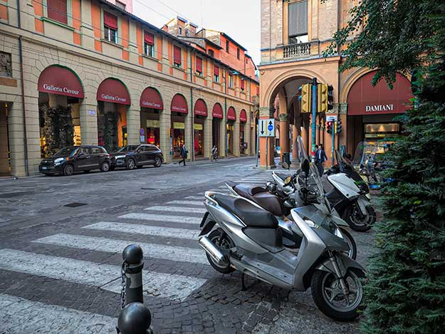 I never grew tired of wandering the beautiful arcaded streets and sidewalks of Bologna