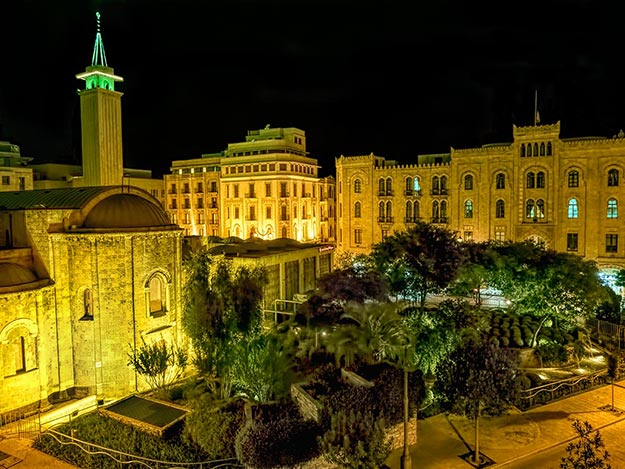 Al Omari Grand Mosque and municipal buildings in downtown Beirut, Lebanon