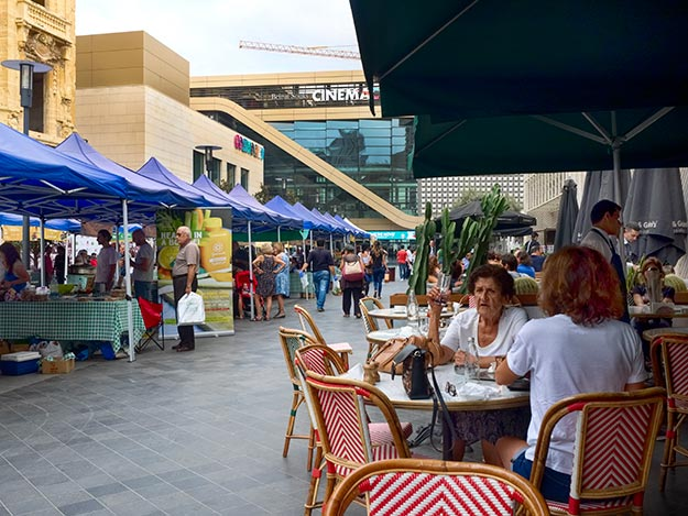 Saturday fresh market at Beirut Souks Shopping Center in Beirut. Note the two female diners, who have casually set their purses on their table, a strong indication that it is safe to travel to Lebanon