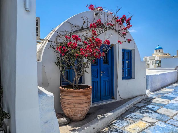 Chelidonia Villas, a group of traditional family cave-houses in Oia, Santorini, that have been converted to vacation accommodations