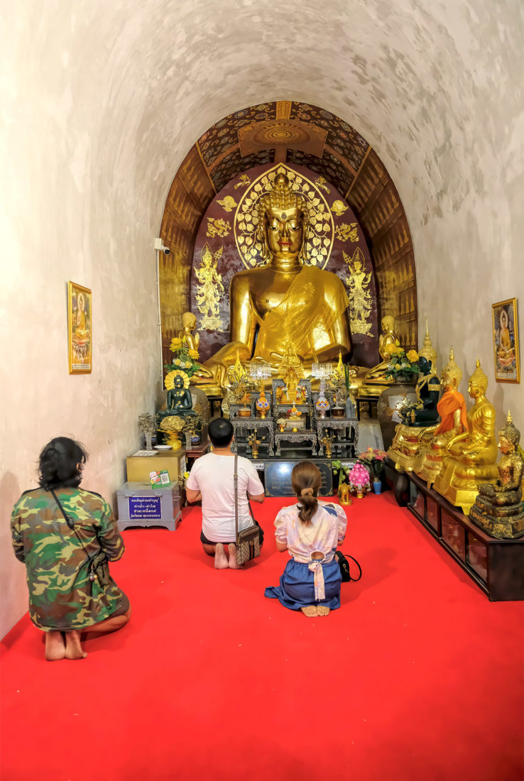 Inside the small worship hall (Viharn) at Wat Jed Yod